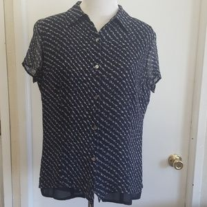 Floral short-sleeve button-up collared shirt